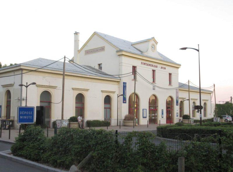 フランス フォンテーヌブロー アヴォン駅舎