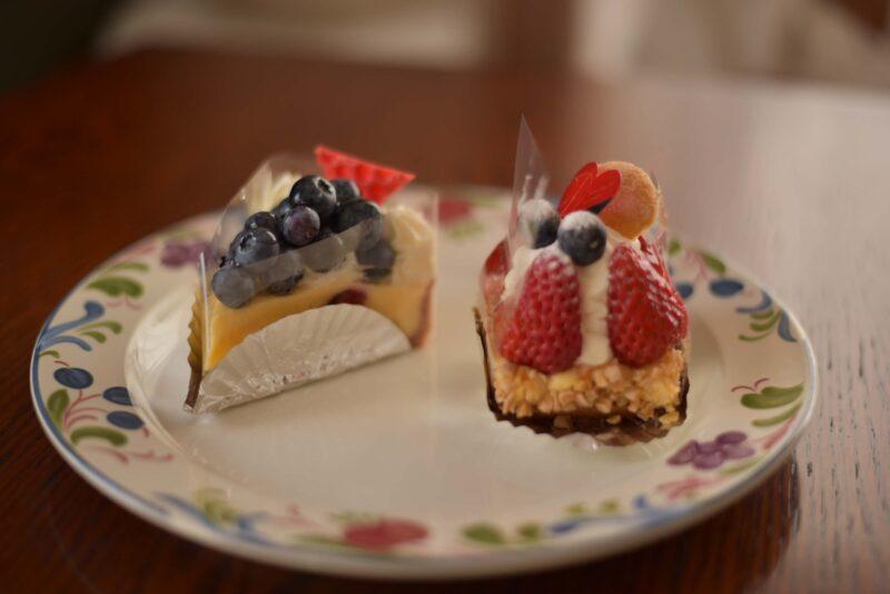お土産にいただいた山梨県のケーキ