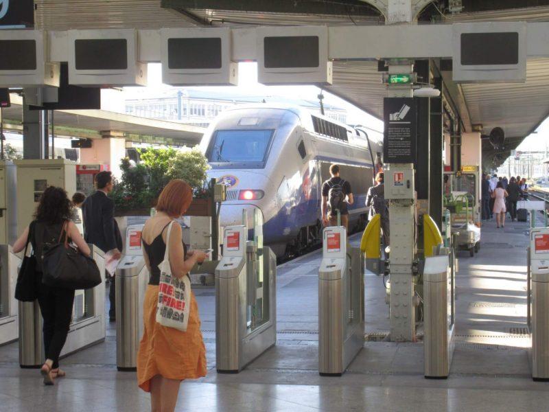 フランス パリ Gare lyon 駅 TGVホーム