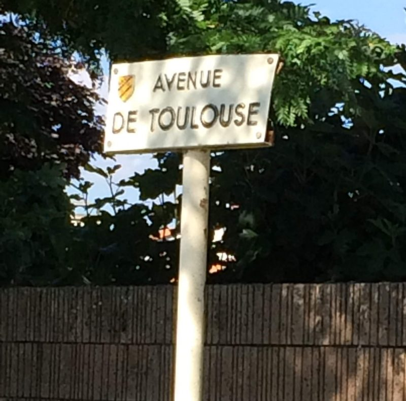 フランス トゥールーズ 道路標識