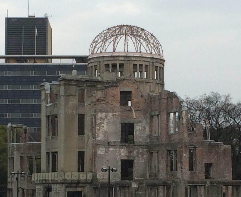 広場 原爆ドーム