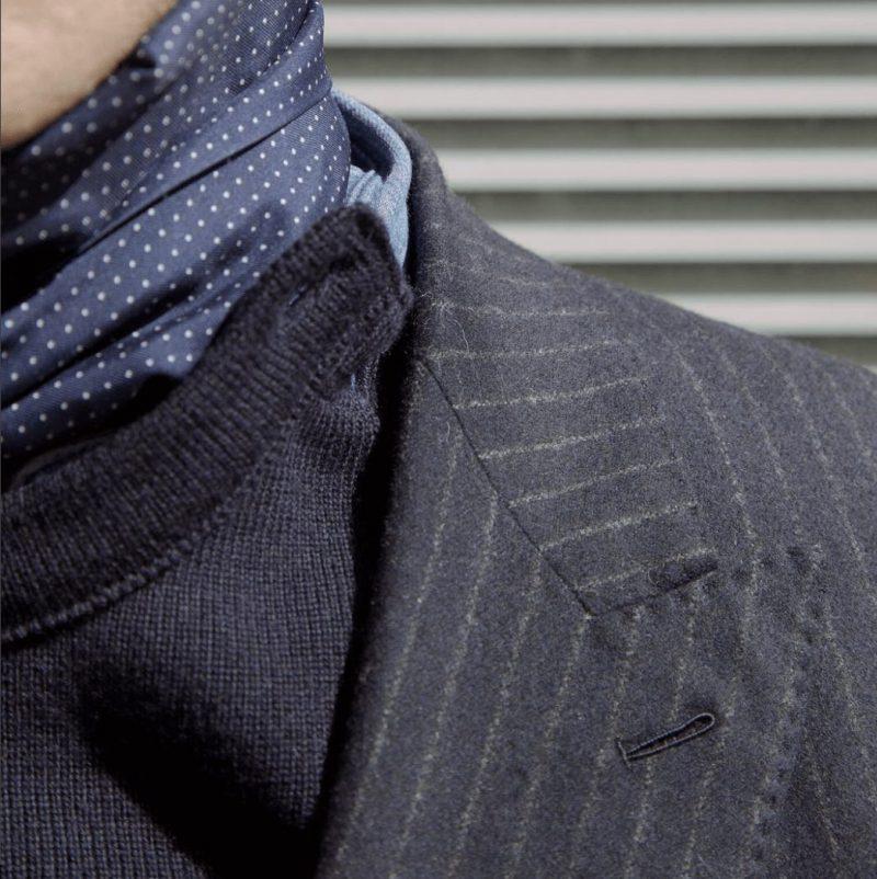 Husdands ダブルブレストジャケット LeMinor製セーター スカーフ巻き方